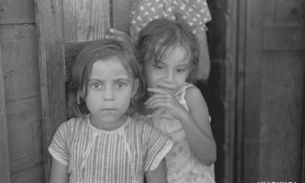 Children in the slum area of San Juan, known as El Fangitto