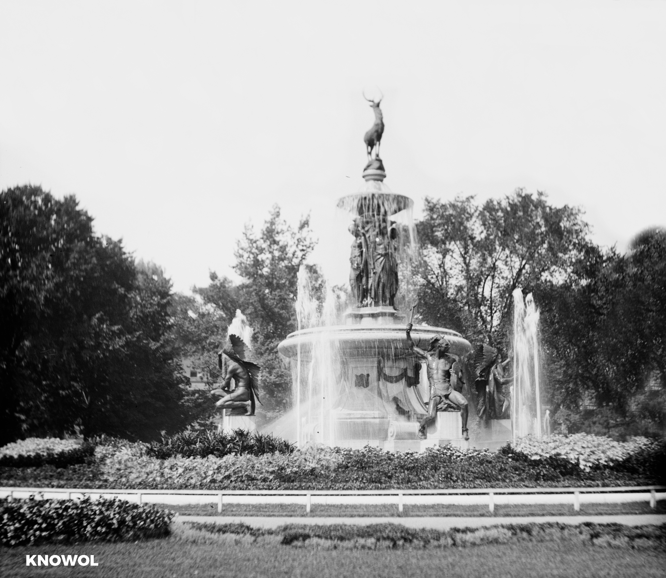 Hartford S State Capital Memorial Arch And Bushnell Park