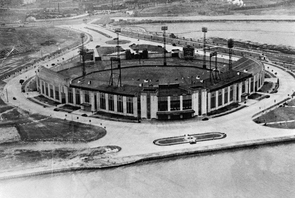 9 vintage pictures reveal the glory of Roosevelt Stadium